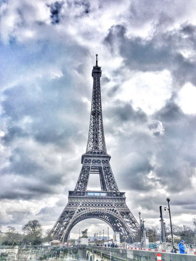 best hotel restaurant with view of eiffel tower paris the wandering core. Black Bedroom Furniture Sets. Home Design Ideas